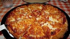 October is National Pizza Month. Are you among the of Americans who regularly eats pizza? Here are fun facts about pizza for National Pizza Month! Pizza You, I Love Pizza, Perfect Pizza, Pizza Pizza, Flatbread Pizza, Pizza Party, Salsa Barbacoa Casera, Pizza Chains, Best Pizza Dough