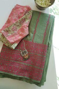 Silk Dupatta, Chiffon Saree, Saree Blouse Designs, Blouse Patterns, Kutch Work, Hand Work Blouse Design, Sari Dress, Saree Trends, Saree Models