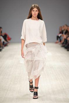 http://fashionweek.ua/gallery/elena-burenina-ss16-933/item