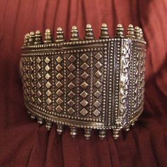 India   A fairly recent 'Bahasuta' bracelet from Orissa   This bracelet is worn on the upper right arm and worn in binomial with another one on the left (called Tuda).