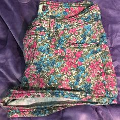 Floral Shorts Blue, Pink, and Grey Floral shorts. Size 5. In great condition. SO Shorts Jean Shorts