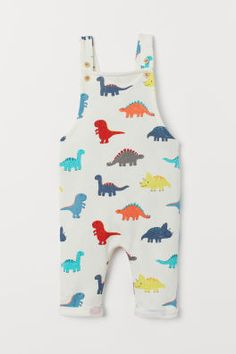 Bib overalls in lightweight sweatshirt fabric. Adjustable suspenders with front fastening elastication at back of waist and sewn cuffs at hems. Toddler Outfits, Baby Boy Outfits, Kids Outfits, H&m Baby, Baby Kids, Baby Boy Fashion, Kids Fashion, Fall Fashion, Kids Clothesline