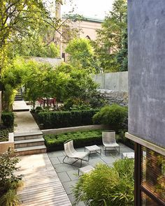 Landscape designer Susan Welti used a set of Lamb Sled chairs and ottomans for the back patio of a Boerum Hill townhouse in Brooklyn