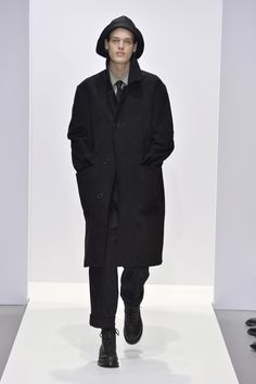 Margaret Howell is a contemporary British clothing designer. Margaret Howell, Fall Winter, Autumn, Raincoat, Normcore, Menswear, Paintings, Jackets, Clothes