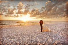 Ideas para fotos de boda en la playa #Boda #ElBlogdeMaríaJosé #FotosBoda #BodaPlaya