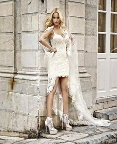 Glam VibesΣέξι και απόλυτα θηλυκό κοντό νυφικό με δαντέλα. Πανέμορφη @dutchesss_ ... #sposamoda #sposamodabride #weddingdress #weddinggown #bridaldress #bridetobe #bridalideas #hautecouturedress #wedding #bride #bridalinspiration #futurebride #love #photooftheday #instawedding #train #bridalgown #γάμος #γαμος #νυφικό #νυφικα #νυφικά #short #shortweddingdress