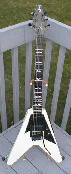 Gibson V90