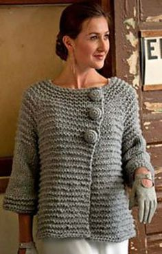 Top-down raglan cardigan worked in bulky yarn, with handmade crochet buttons. This sweater is worked in a combination of a simple ridge stitch pattern and stockinette. Gilet Crochet, Crochet Jacket, Crochet Cardigan, Knit Crochet, Baby Cardigan, Knit Jacket, Crochet Baby, Sweater Knitting Patterns, Knit Patterns