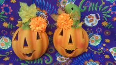 Calabaza de barro - clay Jack-o'-lantern Pumpkin Carving, Halloween Pumpkins, Mud, Ornaments, Parties, Manualidades