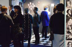 Kalevala Korun juhlavuotisnäyttelyn avajaisiin saapui yli 200 kutsuvierasta.