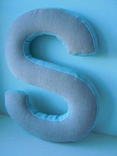 Meine Buchstaben sind professionell gepolstert und mit hochwertigem Halbleinen…