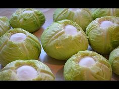 Kako se kiseli kupus zelje How to sour cabbage (eng sub) - Sašina kuhinja Sour Cabbage, Bosnian Recipes, Fermented Foods, Preserving Food, Canning Recipes, Food Hacks, Preserves, Pickles, Clean Eating
