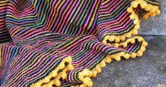 Jeg har fået en del forespørgslerpå, hvordan jeg har lavet den gule hæklede boblekant på mit stribede tørklæde . Derfor har jeg lavet...