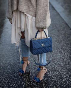 9 Designer Bags Worth the Investment Best Designer bags / fashi. - 9 Designer Bags Worth the Investment Best Designer bags / fashion week street styl - Daily Fashion, Fashion Mode, Fashion Outfits, Fashion Trends, Fashion Shoes, Chanel Fashion, Fashion Hair, Gold Fashion, Fashion Week
