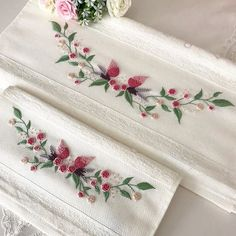 No photo description available - Towel Towel Embroidery, Hand Embroidery Stitches, Ribbon Embroidery, Embroidery Applique, Embroidery Patterns, Border Embroidery Designs, Brazilian Embroidery, Cross Stitching, Easy Sewing Projects