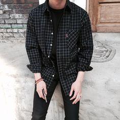 Grunge outfits aerobic fashion in Grunge Outfits, Boy Outfits, Casual Outfits, Men Casual, Korean Fashion Men, 80s Fashion, Fashion Outfits, Rock Fashion, Beach Fashion