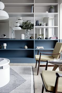 Blue low level shelving and open shelving into the next door divides the living room and dining room yet still gives it a feeling of space Living Room Shelves, My Living Room, Living Room Interior, Home Interior Design, Living Room Decor, Dining Room, Design Interiors, Feng Shui, Zen Home Decor
