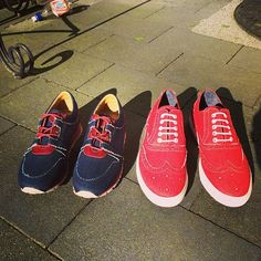 Lovely red couple in the sunshine #bluedaysfootwear #denim #sneakers #denimfootwear #denimhead #sneakerness #hypebeast #woman #runner #men #brogue #instakicks #kickstagram #rotterdam #goodlife
