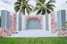 26 Ideas Wedding Decorations Stage Backgrounds Draping Best Picture For wedding decorations wood For Your Taste You are looking for something, Rose Gold Theme, Gold Wedding Theme, White Wedding Bouquets, Wedding Dresses, Reception Stage Decor, Wedding Stage Decorations, Backdrop Wedding, Stage Background, Wedding Background