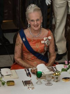 Queen Margrethe of Denmark hosting a gala dinner honoring the President of Finland and his wife at Fredensborg Castle, 4 April 2013