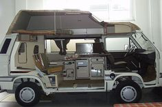 Best VW Vanagon Westfalia Interior Idea For You Vw Camper Bus, Vw Bus T3, Auto Volkswagen, Suv Camping, Kombi Trailer, Camper Trailers, Vw T3 Westfalia, Transporter T3, Kombi Home
