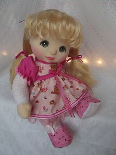 Mattel My Child Doll ~ UL Blonde ~ Full shot ~ Commission Restore My Child Doll, Living Dolls, Cabbage Patch Kids, Soft Dolls, Doll Patterns, Vintage Dolls, My Children, Fashion Dolls, Barbie Dolls