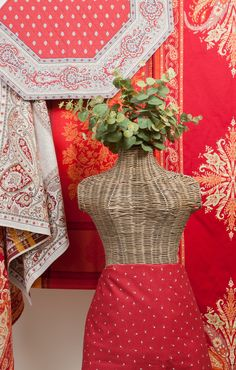 Magical Tablecloths, oriental beauties ready for you!