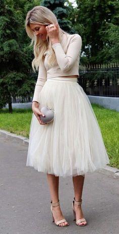 High waist midi skirt and crop top street style @t.skirt