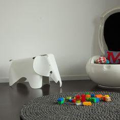 Eames Elephant | Vitra | AmbienteDirect.com