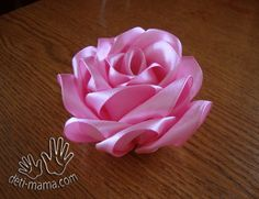Fantastic Photographs Ribbon Rose diy Tips Buttercream ribbon flowers usually are a fairly easy approach to make ones cakes and cupcakes appear Satin Flowers, Diy Flowers, Fabric Flowers, Paper Flowers, How To Make Ribbon, Ribbon Work, Handmade Crafts, Diy Crafts, Hand Embroidery Tutorial