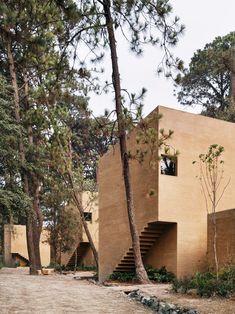 Für alle, die ein Rückzug wünschen, aber doch nicht allein sein möchten: Héctor Barroso neue Ferienhäuser im mexikanischen Valle de Bravo.