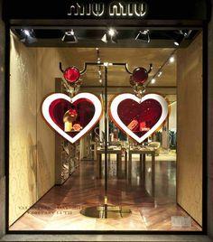 Hearts earrings shaped displays
