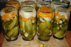 kovászos uborka Sauerkraut, Apple Jam, Russian Recipes, Kefir, What To Cook, Vegetable Recipes, Pickles, Cucumber, Zucchini