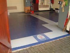 Modern Garage Floor Tiles Design With Grey Color Interior