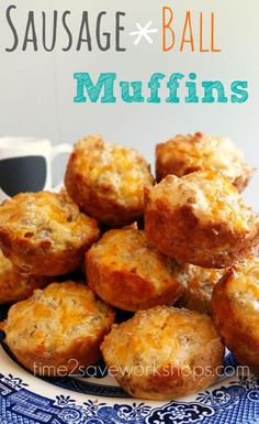 Sausage Ball Muffins Recipe Just because our mornings are a mad rush, doesn't mean we can't get a hot breakfast. These Sausage ball muffins are so dang good and filling! Breakfast Muffins, Sausage Breakfast, Breakfast Recipes, Breakfast Ideas, Breakfast Dishes, Breakfast Potluck, Breakfast Casserole, Mini Muffins, Breakfast To Go