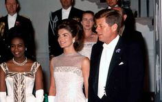 At the dinner for the president of the Ivory Coast. | 31 Flawless Photos Of Jackie Kennedy
