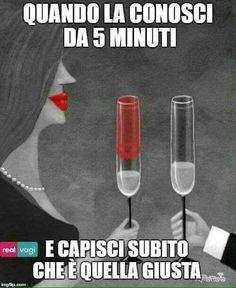 non hai idea - # - Italia Divertenti Memes Humor, Italian Memes, Funny Quotes, Funny Memes, In Vino Veritas, Humor Grafico, Pop, Vignettes, Haha