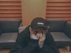 ↳ Quand Minho veut pecho Hyunjin ✰minjin (Minho x Hyunjin) T E R M… # Fanfiction # amreading # books # wattpad Chris Chan, Stray Kids Chan, Young K, Rapper, Brown Aesthetic, Pink Aesthetic, Kid Memes, Lee Know, Boyfriend Material