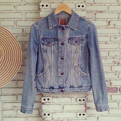 Vintage Jean Jacket/Denim Jacket Size M by KodChaPhorn on Etsy, $45.00