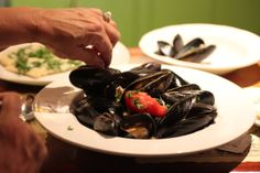 Mussels, roasted tomatoes, basil, white wine garlic sauce