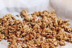 home-made granola - www.be Muesli, Granola, Go For It, Coffee Time, Love Food, Foodies, Healthy Recipes, Healthy Food, Brunch