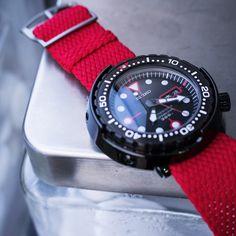 Red Perlon on Seiko Propex Tuna Sea Golgo 13 Seiko Mod, Seiko Diver, Seiko Watches, G Shock, Watch Bands, Smart Watch, Watches For Men, Mens Fashion, Tuna