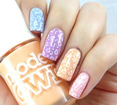 'Tis the season for pastels, and as you know I'm a huge fan of leopard print nail art (and leopard print in general, though not to a Be...