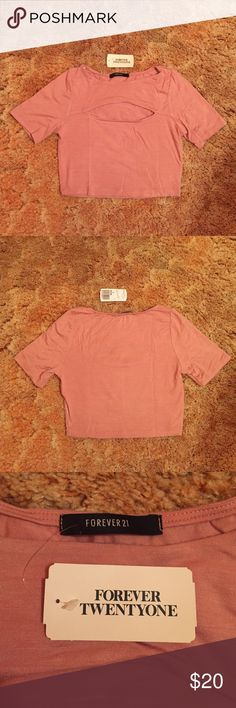 ❤️Forever 21 Shirt❤️ Peach Crop Top with Front Cutout Forever 21 Tops Crop Tops