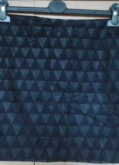Kup mój przedmiot na #vintedpl http://www.vinted.pl/damska-odziez/spodnice/14191423-czarna-spodniczka-mini-w-czarne-trojkaty