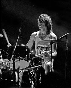 charlie watts | Charlie Watts Pictures | Famous Drummers