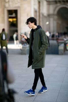 Take a look at 23 best winter college outfits for guys in the photos below… Milan Fashion Weeks, New York Fashion, Teen Fashion, Fashion Models, Fashion Trends, Summer Outfits, Casual Outfits, Men Casual, Fall Outfits