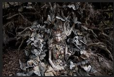 "Wonderland ""The Last Door of Autumn"" by Kirsty Mitchell. Such an amazing and inspirational photograph. I love the whole Wonderland series! Surrealism Photography, Fantasy Photography, Fine Art Photography, Portrait Photography, Fashion Photography, Conceptual Photography, Stunning Photography, Contemporary Photography, Kirsty Mitchell Wonderland"