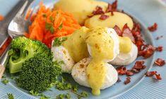 Fiskeboller i hvit saus med karri White Sauce, Broccoli, Fish, Vegetables, Breakfast, Recipes, White Cream Sauce, Morning Coffee, Veggies