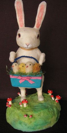 Maria Pahls, Easter bunny  with chicks